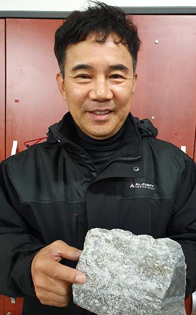 Mr. Kim Yong-woo