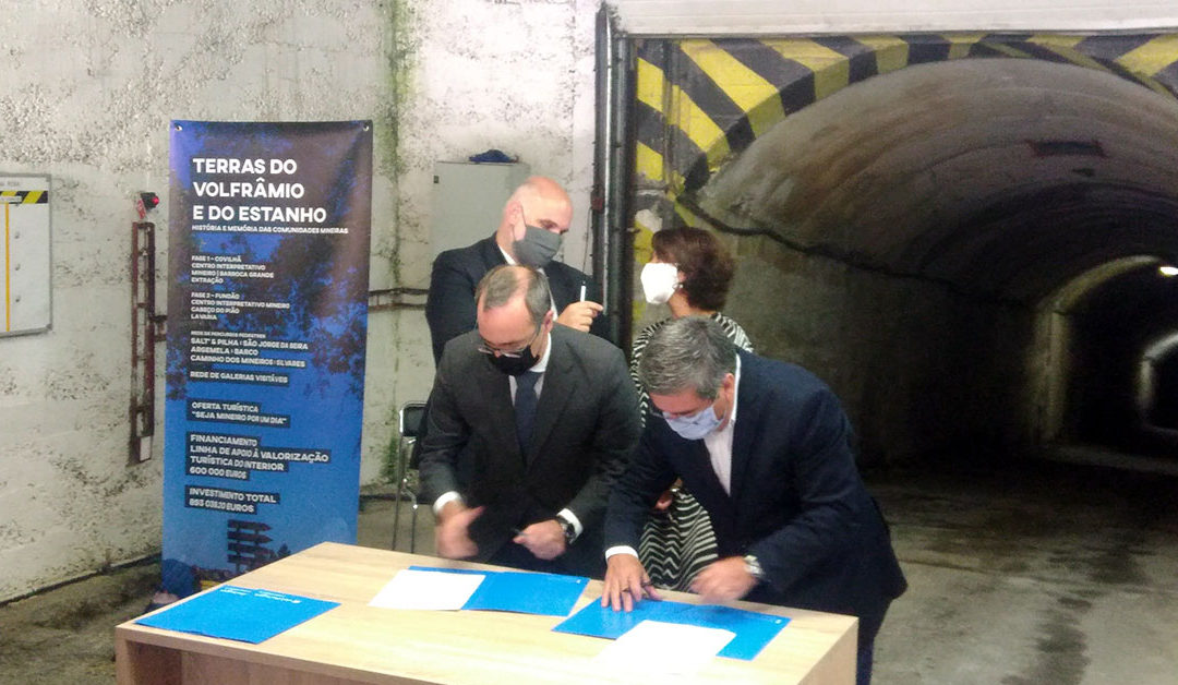 A Tourist Development Agreement was signed yesterday at the mouth of the Panasqueira Mine